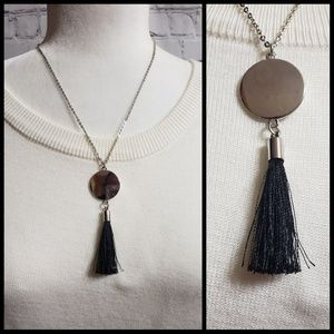 Jewelry - 🌷Pretty Tassel Necklace with Silver Disc NWOT